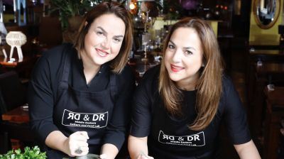 """The Iranian twin sisters Dr. Sahar and Dr. Forough Sodoudi cross political borders and bring Arabic, Israeli and Persian cuisine on one plate with their Berlin catering. The Middle Eastern dishes are prepared in a climate-friendly way and are healthy on top of that,"" is the verdict of the jury of the German Gastro Start-up Award."