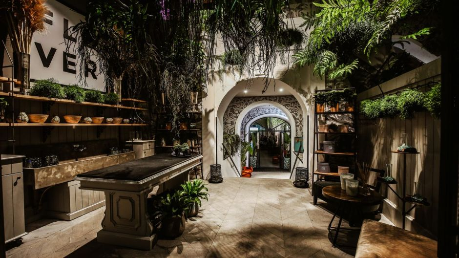 "Restaurant Magnolia in Naples: The Italian shopfitter Costa Group provides insights into current restaurant designs that meet the demands of the ""New Normal""."