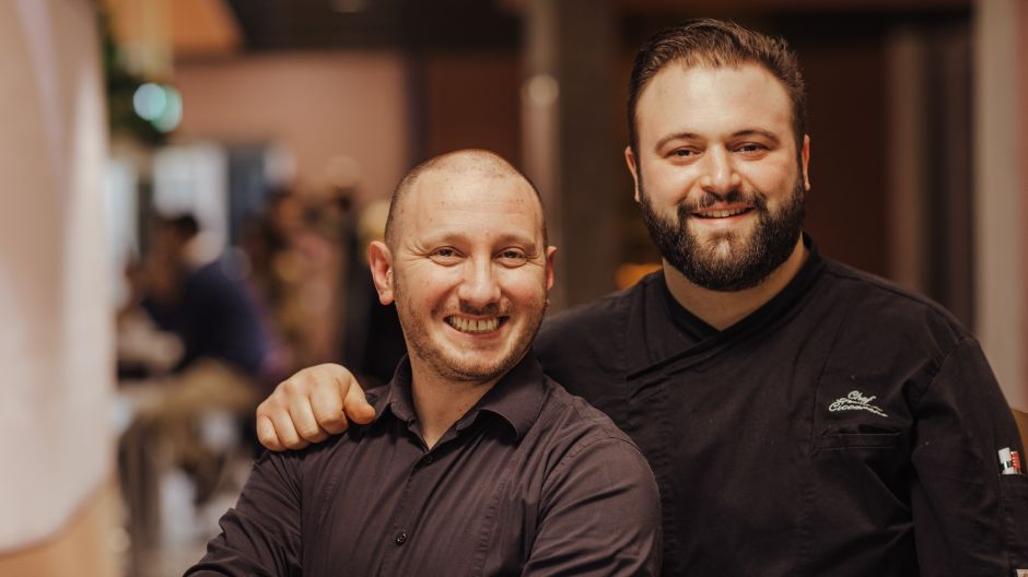 Maître and chef with passion: Vincenzo Pepe (l.) and Daniele Ciccarone want to amaze their guests.