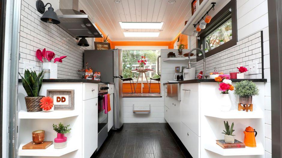 Mini Kühlschrank Für Kaffeemaschine : Dunkin donuts mini haus mit kaffeeantrieb
