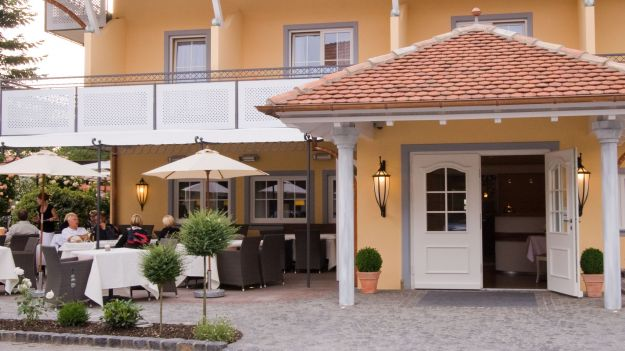 Traditionshaus Hotel Restaurant Hirsch.