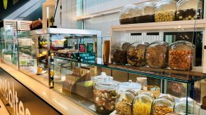 Aramark's kiosk snacks at SAP in Walldorf do not require any plastic packaging at all.