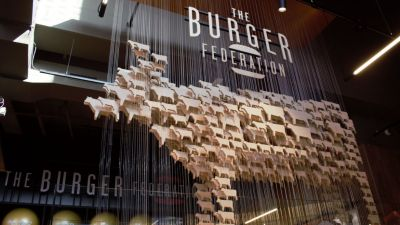 Ein Ableger der international tätigen Burger Federation ist neu im Amsterdamer Outlet-Center.