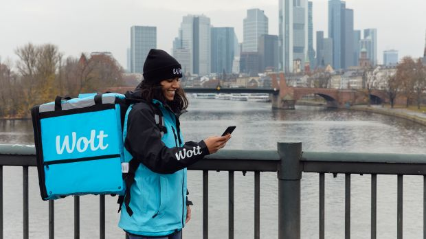The Finnish delivery service Wolt is expanding in Germany and now also offers its service in Frankfurt, among other places.
